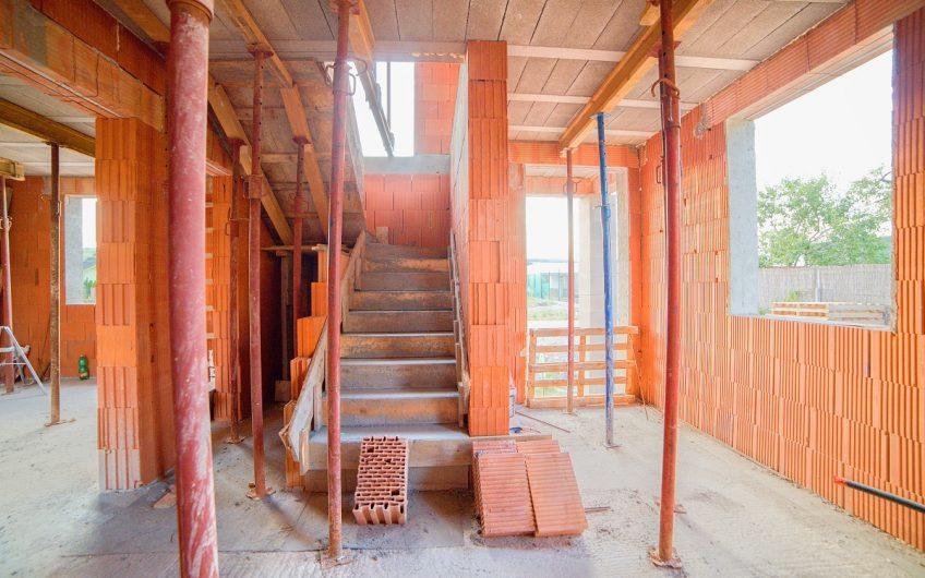 Malozáblatská ul. – Novostavba 4 izbového domu  s terasou od 108.000,- EUR