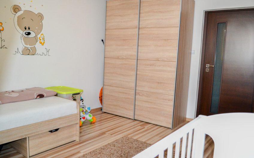 REZERVOVANÉ – JUH II –  Zrekonštruovaný slnečný byt s balkónom.