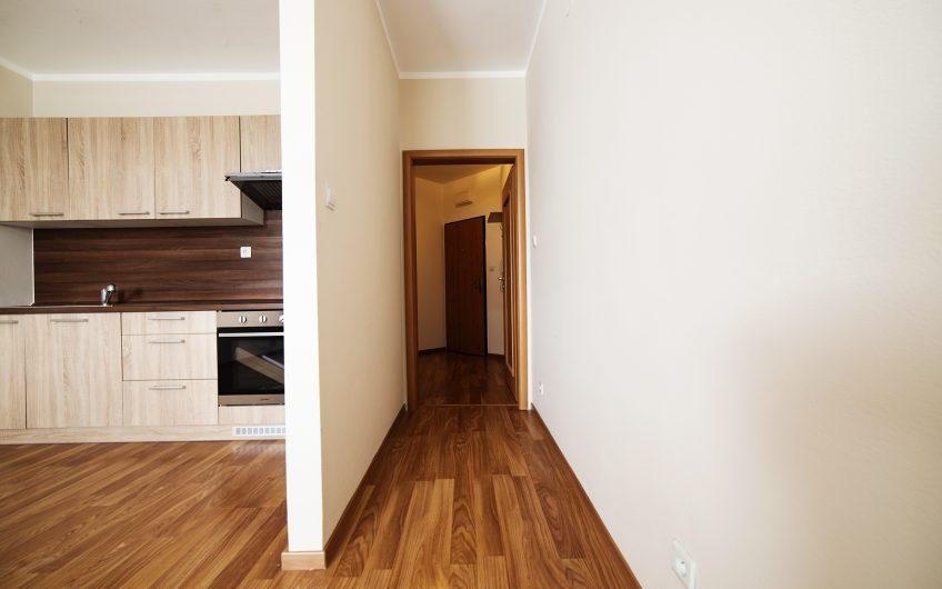 2 izbový byt v tichej a vyhľadávanej lokalite sídliska JUH o výmere  44,3m2  ulica Východná, Trenčín za 75 000 euro,