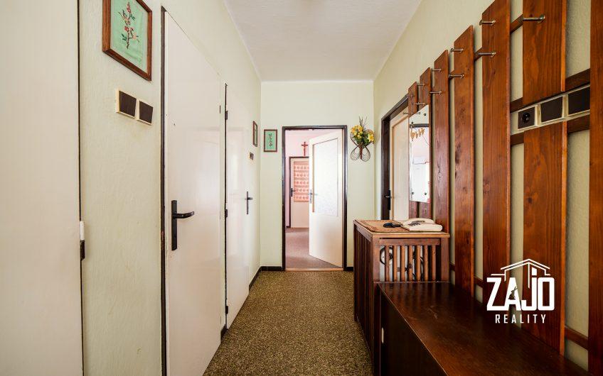 Na predaj rodinný dom na  pozemku 631 m2 v Nemšovej