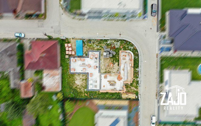 Na predaj novostavba – nízkoenergetický rodinný dom v Trenčíne  časť Záblatie za 191.000,- eur na  pozemku 371m2